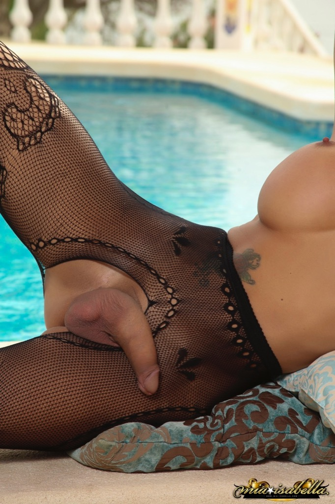 TS Mia Isabella in Mia By The Poolside