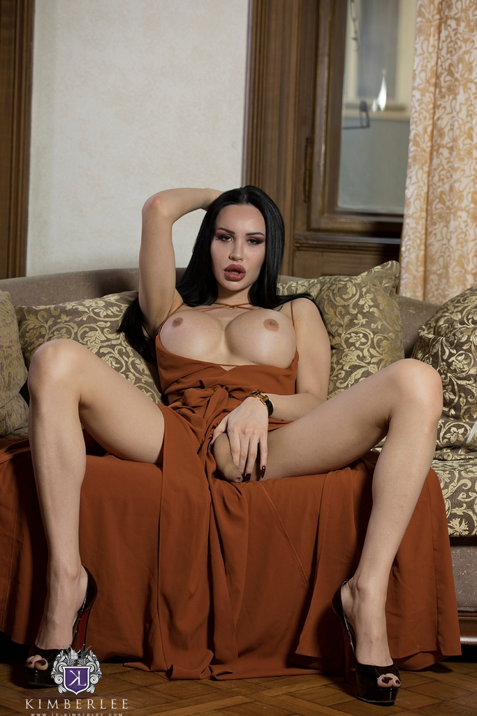 TS Kimber Lee in Baroque Sofa